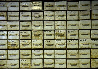 Vakkenkast voor klein materiaal uit de jaren '50